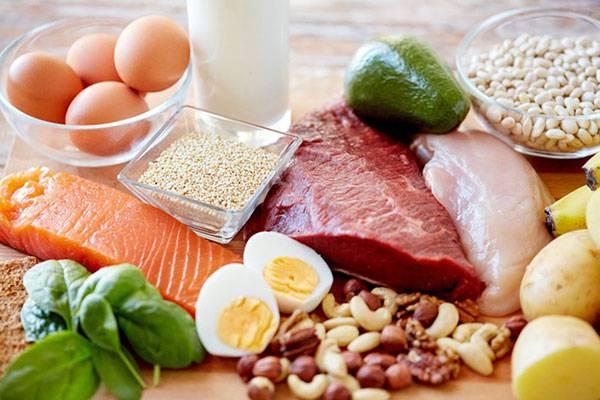 Lựa chọn các thực phẩm lành mạnh, bổ sung rau củ quả xanh giúp da đào thải độc tố và hạn chế tình trạng lỗ chân lông to