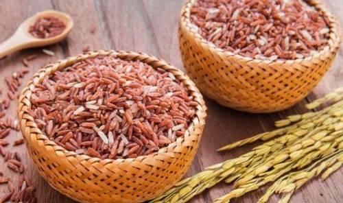 Gạo lứt là 1 trong những thực phẩm ăn kiêng giảm cân rất tốt