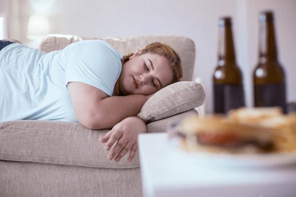 Ngủ nhiều có mập không?