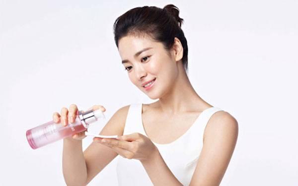 Tác dụng của nước hoa hồng giúp chống lão hóa da hiệu quả