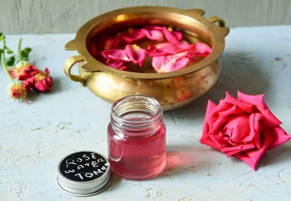Tác dụng của nước hoa hồng: giảm stress