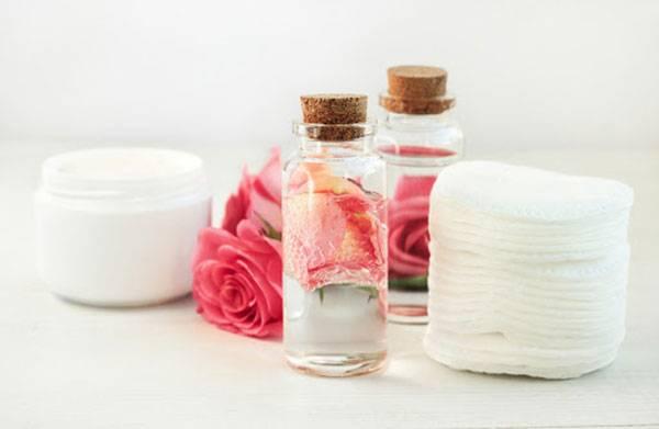 Chọn sản phẩm nước hoa hồng phù hợp giúp phòng tránh tổn thương da