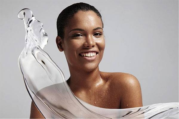 Làn da dễ bị hư tổn nếu không được dưỡng ẩm hiệu quả