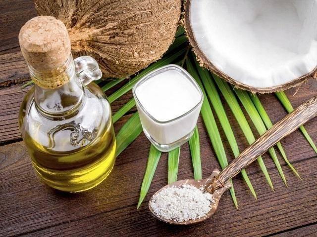 Dầu dừa có tác dụng trị đồi mồi hiệu quả